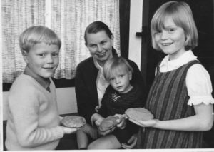 Sue Bulmer with family, 1967