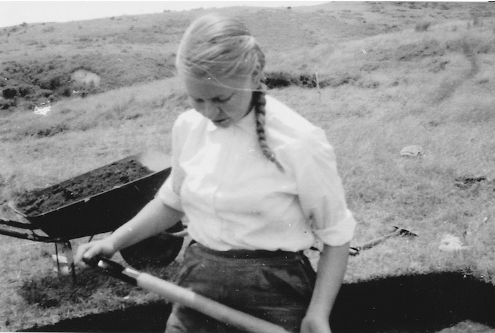 Sue on a dig at Sarah's Gully, on the Coromandel, in the summer of 1957.